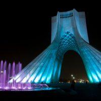 iran-friedenstower-nachts-kriegsberichterstattung