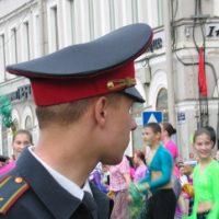Ein russischer Soldat. Wie hart müssen die Pussy Riots unter einem wie ihm im Straflager an die Arbeit, fragen sich viele.