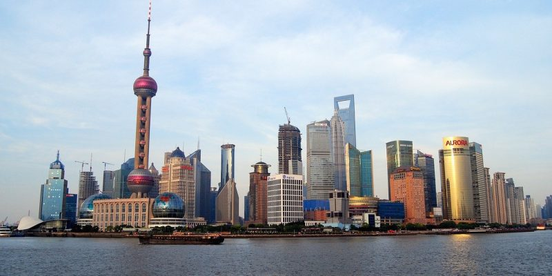 China ist eine Weltmacht und sollte sein Land auch mit Hilfe von künstlichen Inseln verteidigen können. Hier die Skyline von Shanghai.